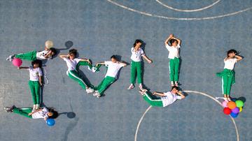 脑洞大开番禺广州00后小学生拍摄创意毕业照小学肇城图片