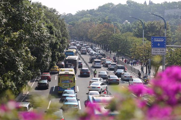 正清日广州银河公墓迎来市民出行拜祭高峰